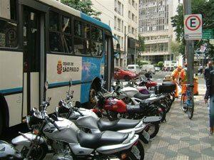8 vantagens de utilizar motos para serviços de entrega rápida em SP